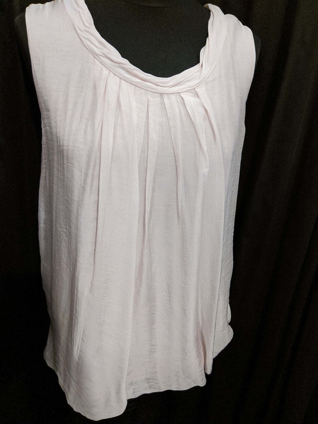 Sleeveless silk top (camisole)