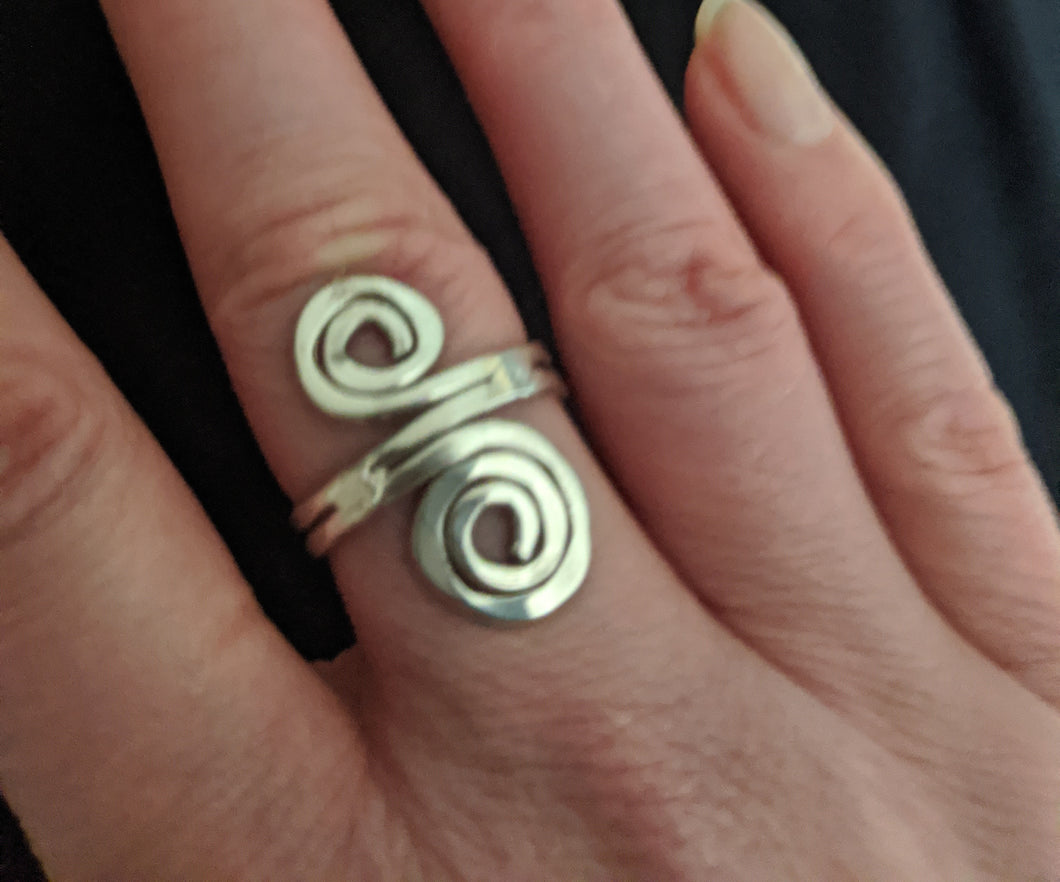 Adjustable Metal Double Swirl Ring