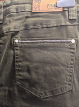 Load image into Gallery viewer, Pinns Jeans - Slim Leg with Sparkle Pocket Detail