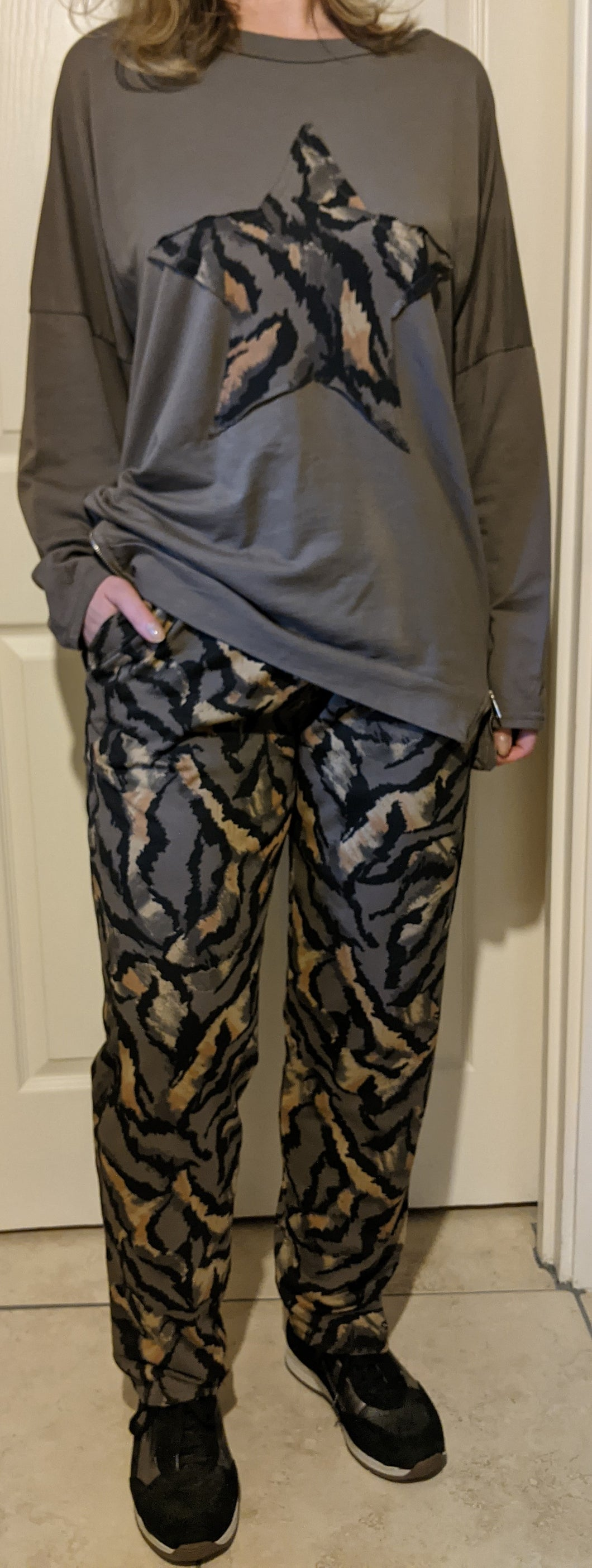 Big Star Loungewear Set with Abstract Tiger Print