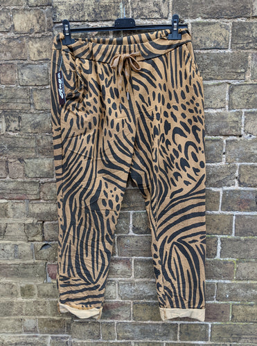 Super Stretch 'Magic' Trousers in Zebra/Abstract Mix Print