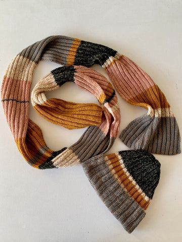 Easy peasy knitted scarf for beginners