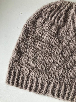 Magnum beanie hat knit in soft Önling yarn - Önling Nordic knitting patterns and yarn