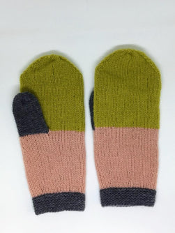 Advent mittens, soft knitted mittens made in Önling No 2 merinowool, here in colors olive, peach and dark grey.