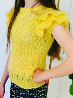 Buenos Aires Tee by Yarn Lovers, yellow silk mohair No 10 kit