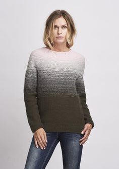 Dip Dye colors sweater knitted in önling No 2 merino wool in rose, grey and army green.