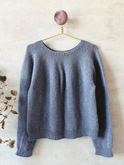 Knitting kit for Easy Peasy Basic Sweater in Önling No 1, merino wool and angora, in pigeon blue