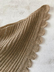 Cashmere and merino shawl with leaf and lace pattern
