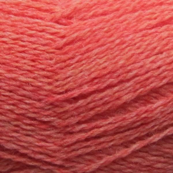Isager Highland Wool yarn, the color Rhubarb, made of 100 % Peruvian Highland Wool.