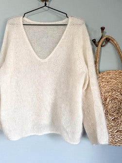 Kumulus sweater from Petiteknit, knitted in white silk mohair from Önling
