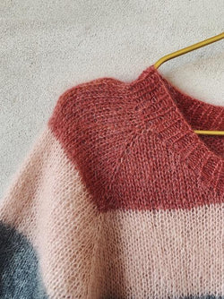 Knitting pattern for Molly Mohair Tee with stripes and raglan sleeves  in Önling No 10 silk mohair.