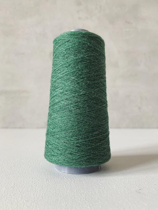 Önling No 13 – accompanying Cashmere thread in green