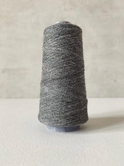 Önling No 13 – accompanying Cashmere thread in dark gray