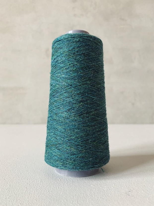Önling No 13 – accompanying Cashmere thread in petrol