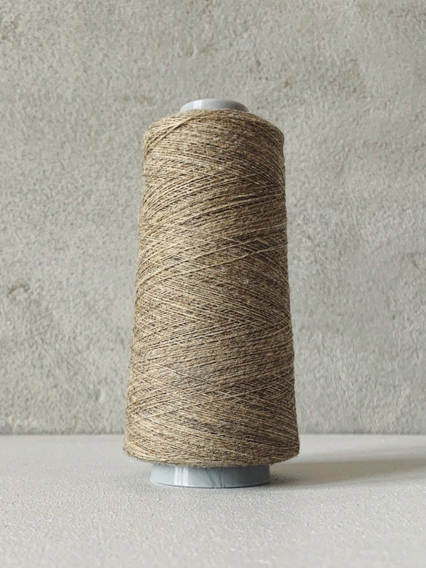 Önling No 13 – accompanying Cashmere thread Yarn Önling Warm beige (49)