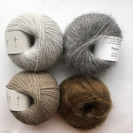 Stribekit til Scotty Sweater fra PetiteKnit, Önling No 1 og Silk Mohair i grå og beige