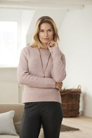 Abelone light pink knitted sweater, knitted in Isager Merilin and Alpaca