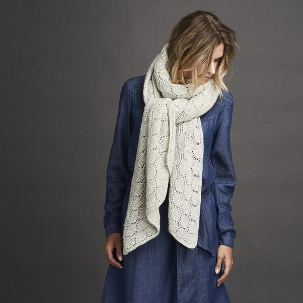 Daggry white knitted shawl with beautiful lace pattern, made in Isager Alpaca and Highland wool