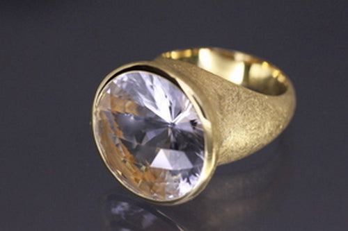 Clear crystal ring, gold plated