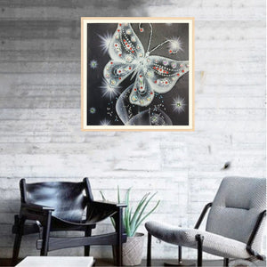 Shiny White Butterfly - Special Diamond Painting