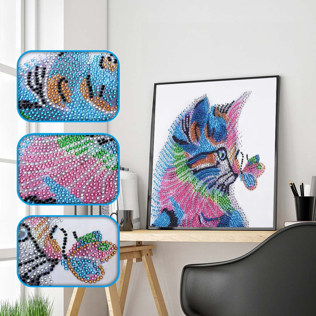 Cats Playing with Butterfly - Special Diamond Painting