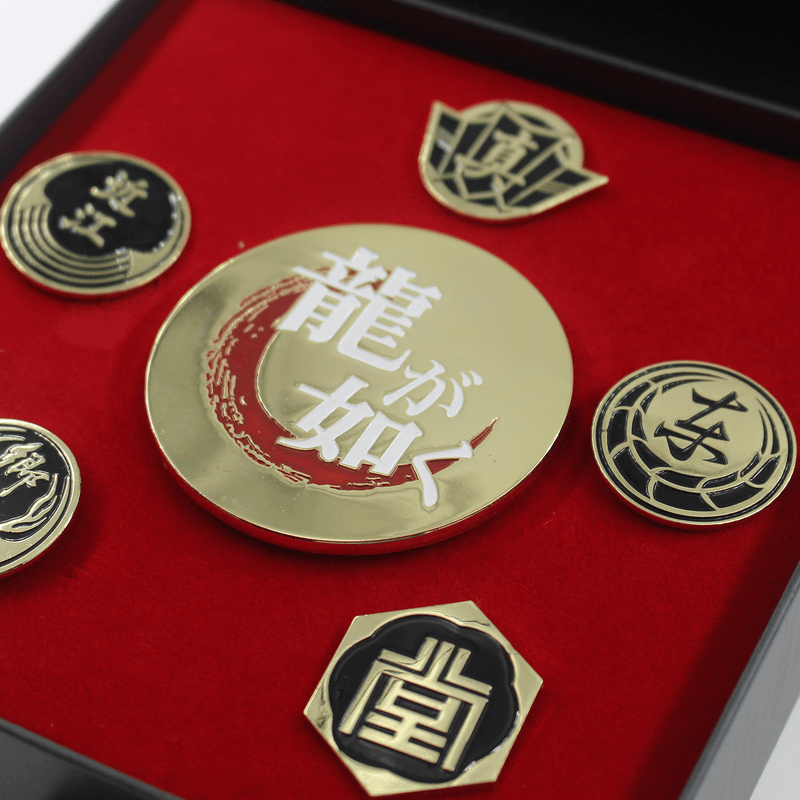 Official Ryu ga Gotoku Family Crest Pin Badge Set with Bottle Opener