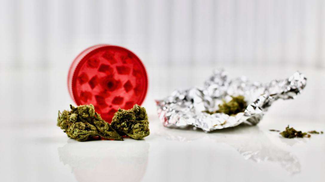 Methods Of Grinding Weed — Why Use A Grinder?