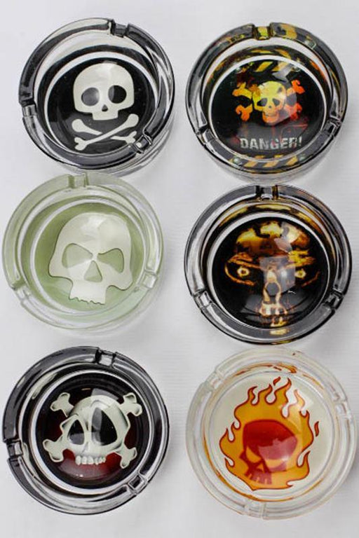Round slick design glass ashtray - bongoutlet.com