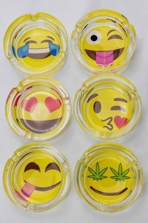 Round kaomoji design glass ashtray - bongoutlet.com