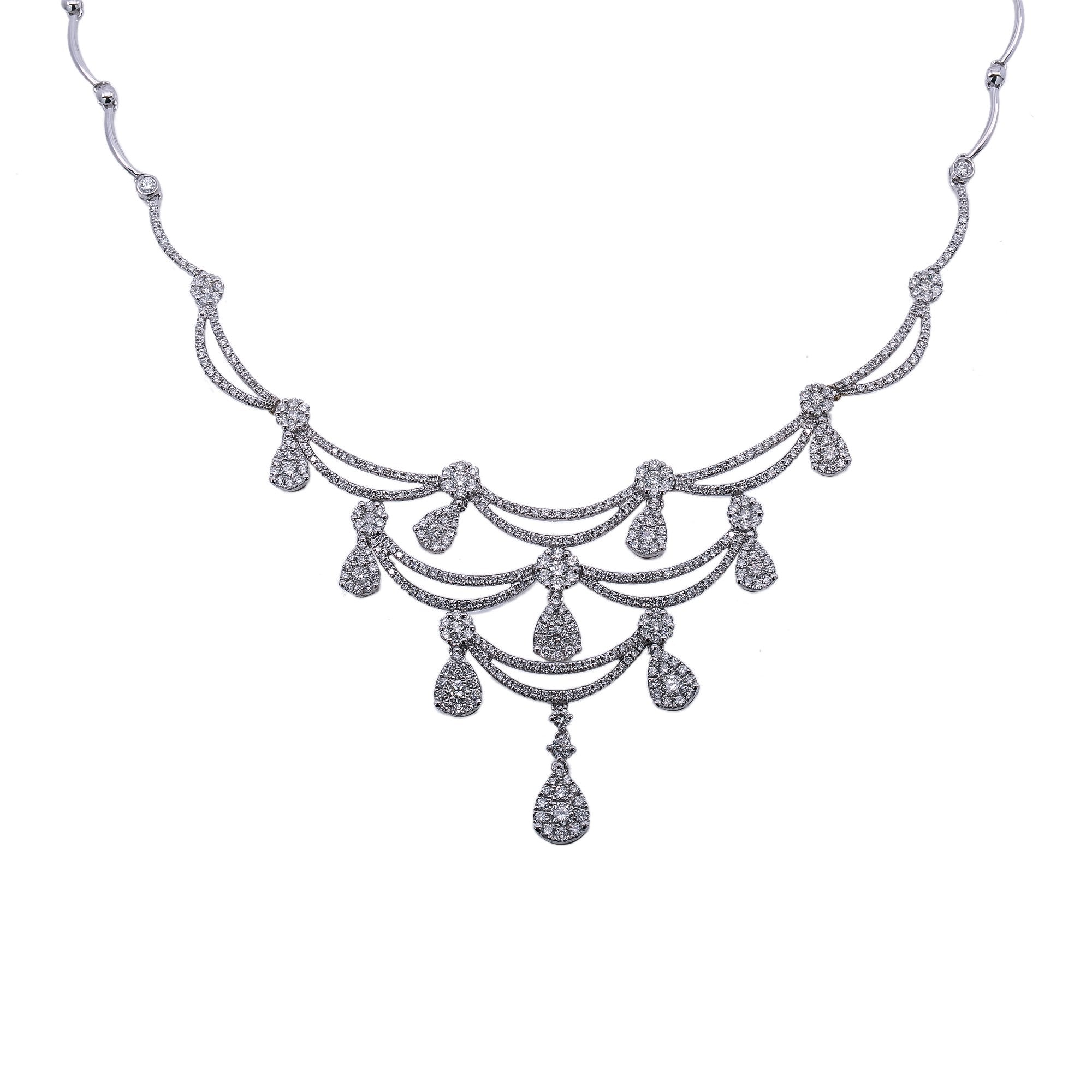 18K White Gold Women's Necklace 4.61 CT Diamonds