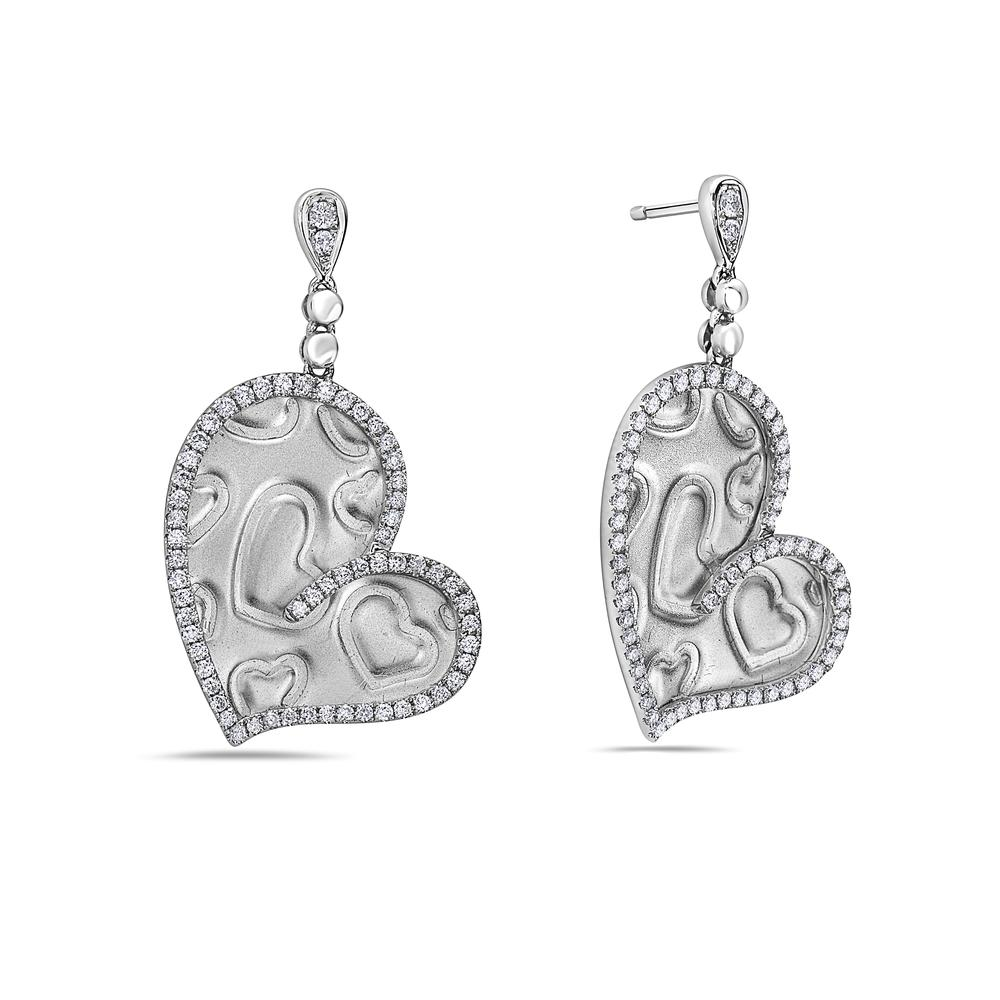 18K White Gold Ladies Heart Shaped  Earrings With Diamonds