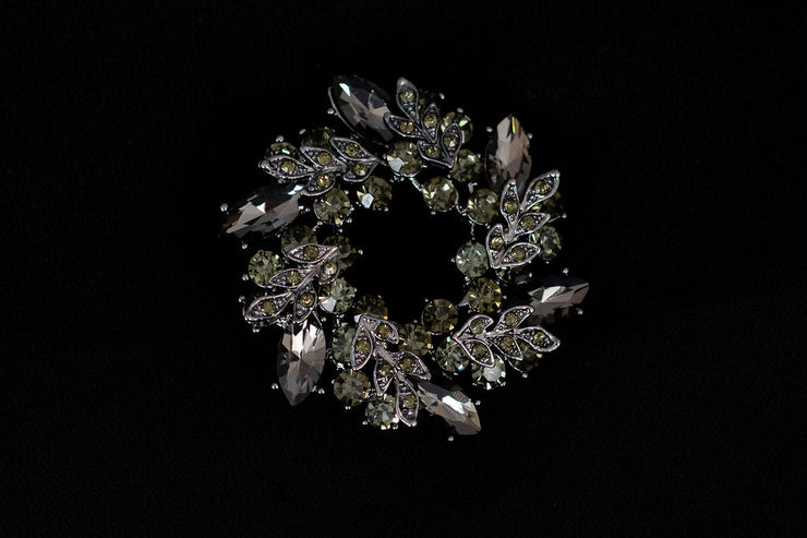 Ring Shape Crystal Brooch