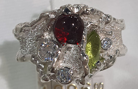 Peridot and Garnet Molten Edge Ring