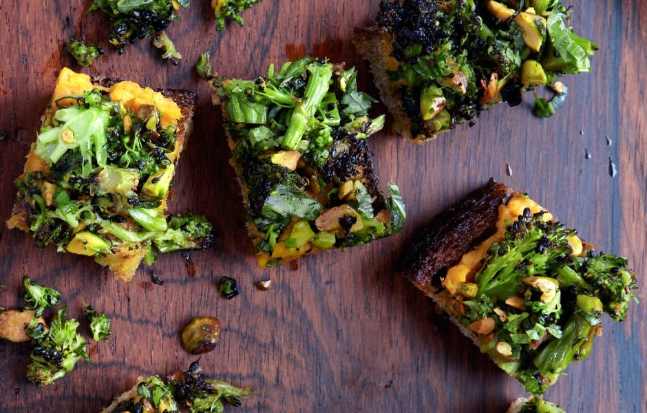 spiced-sweet-potato-and-roasted-broccoli-toasts-940x600