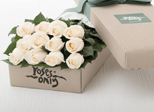 12 White Cream Roses Gift Box