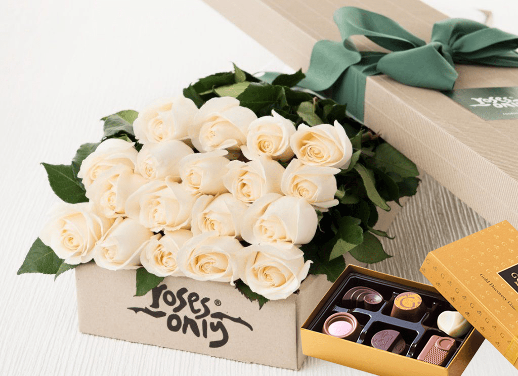 18 White Cream Roses & Gold Godiva (6PC) Chocolates