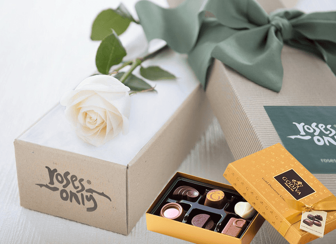 Single White Cream Roses & Gold Godiva (6PC) Chocolates