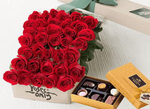 36 Red Roses & Gold Godiva (6PC) Chocolates