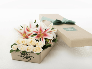 4 Pink Lilies & 8 White Cream Roses Gift Box