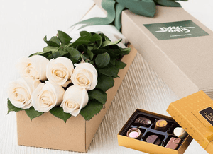 6 White Cream Roses & Gold Godiva (6PC) Chocolates