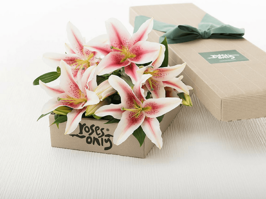 10 Pink Lillies Gift Box