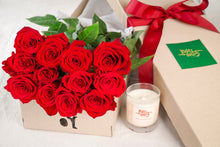 12 Red Roses And Duft & Chandelle Soy Candle