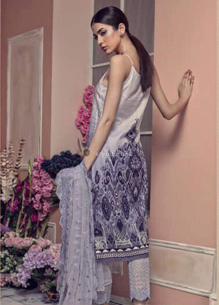 STYLE LOFT.PK Aayra Embroidered Lawn Unstitched 3 Piece Suit AY19L 08A - Spring / Summer Collection