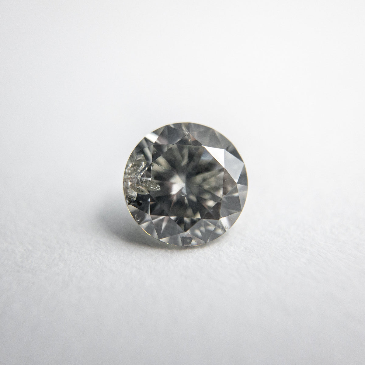 0.57ct 5.27x5.25x3.19mm Fancy Grey Round Brilliant 18273-06