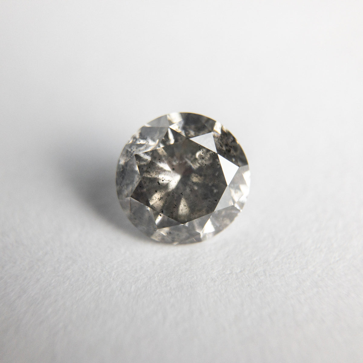 0.88ct 6.05x5.94x3.80mm Round Brilliant 18362-01