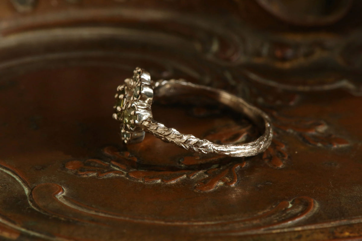 The Dappled Light Scrying Mirror Ring