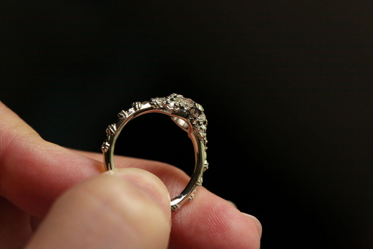 The Reverie de Lune Ring