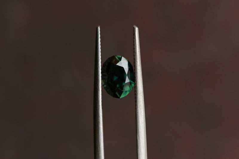 1.23 carats Emerald Forest Green Oval Cut Sapphire