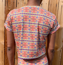 Load image into Gallery viewer, Retro Pinwheel Crop Tee