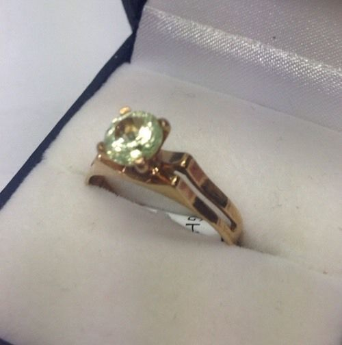 9CT Light Green Stone Ring (Guaranteed Genuine 9CT/9K) Size N #29568